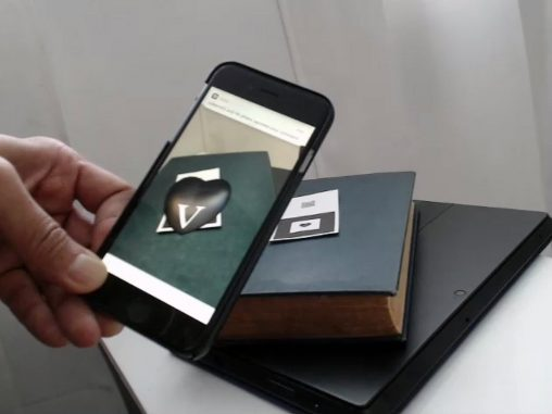 Augmented reality business cards by Jon Montenegro